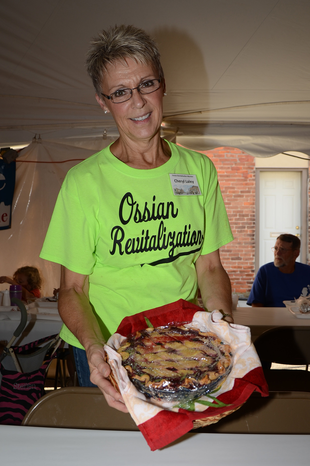 Cheryl Laley at Ossian Days Pie Auction 2016