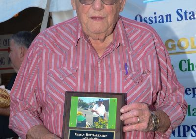 Vern Dowty with Appreciation Plaque