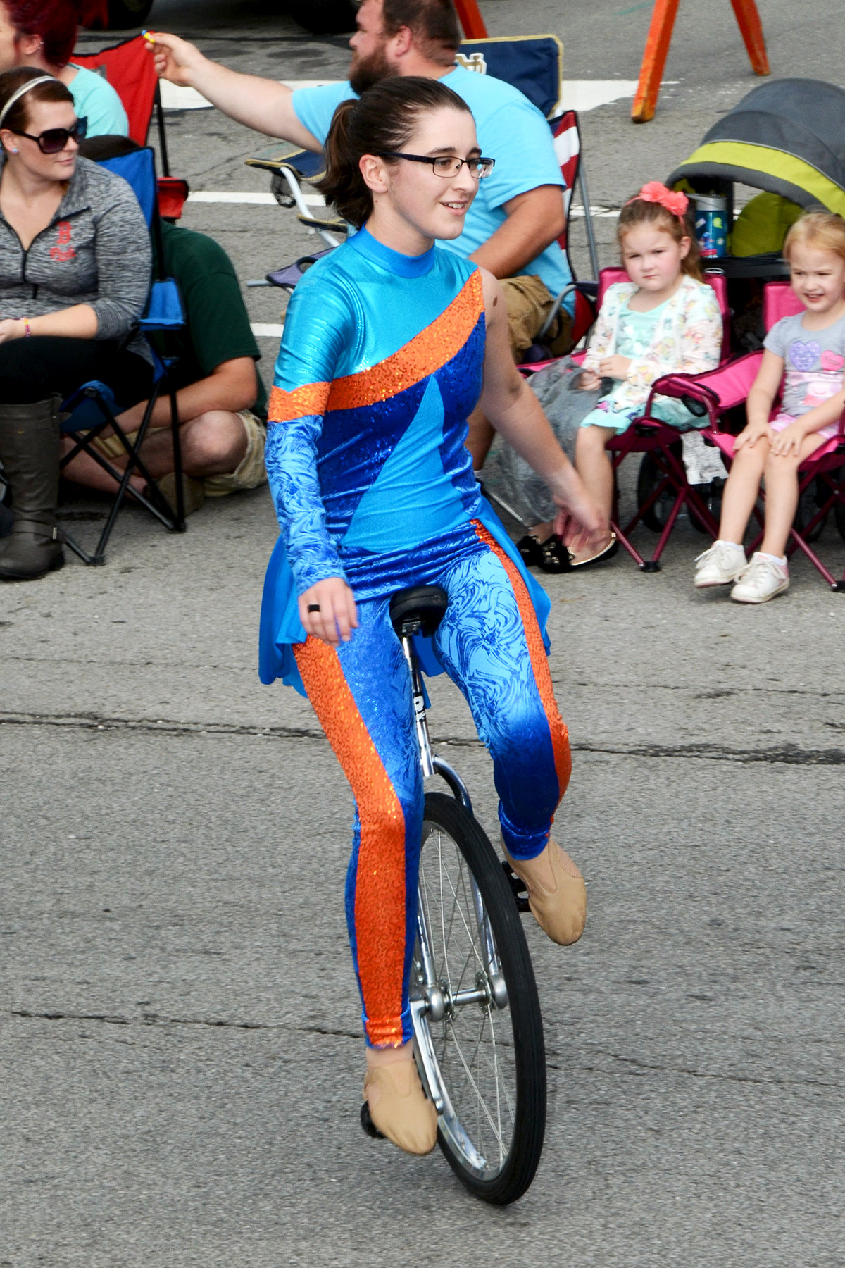Unicyclist in Ossian Days 2016 Parade